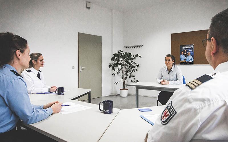 Auswahlverfahren Polizei Brandenburg Karriere